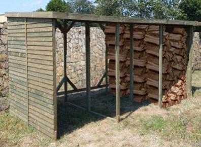 abri pour bois de chauffage