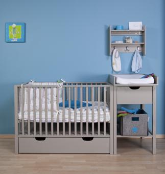 lit bébé avec table à langer